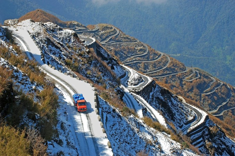 Summer Honeymoon Places India Sikkim